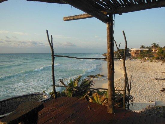 Azulik: El amanecer plácido de la playa de la posada