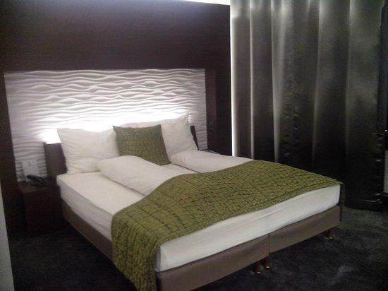 Airport Hotel Basel: bedroom