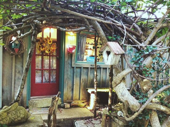 Enchanted Cottages: Bird song cottage. How enchanting