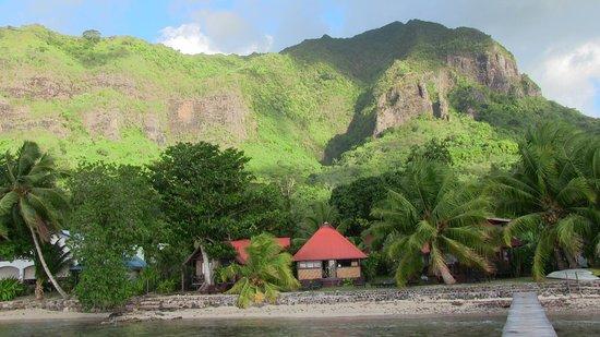 Fare Vaihere: vue depuis le ponton sur les bungalos