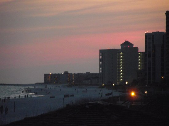 Destin Gulfgate: Just as beautiful at night!