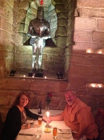 Dalhousie Castle: Dungeon dinner, incredibly romantic!