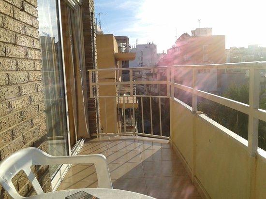 Estudios Benidorm: balcony of room 408