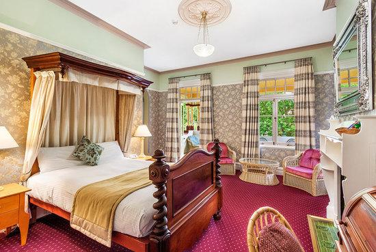 โรงแรมแมคคลาเรน