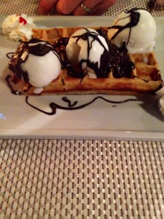 Buzz Bar: Great waffles!!!