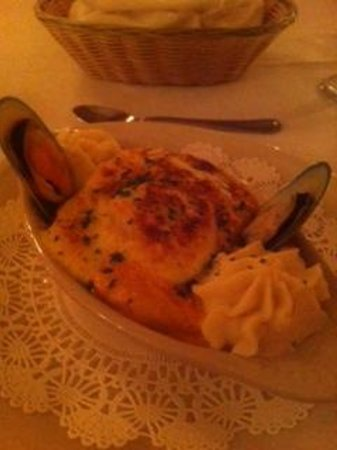 Chalet Suisse: Can NOT remember the name of this but OMG! So good. Loaded with seafood!