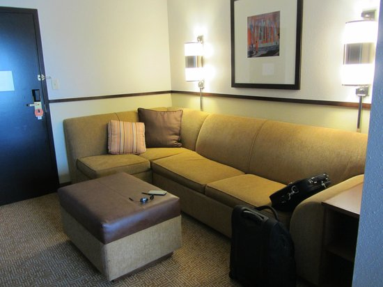 Hyatt Place Orlando Airport: lounge area