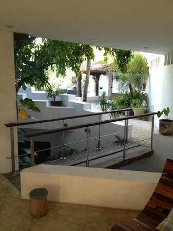 Mi Casa en Cozumel : view of entry from the living area - Mi Casa Cozumel