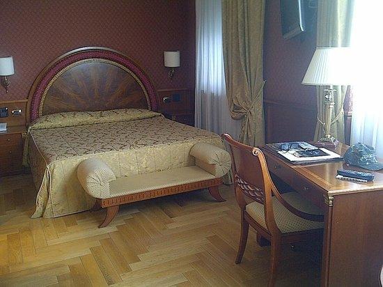 Hotel Livingston: quarto espaçoso e confortável