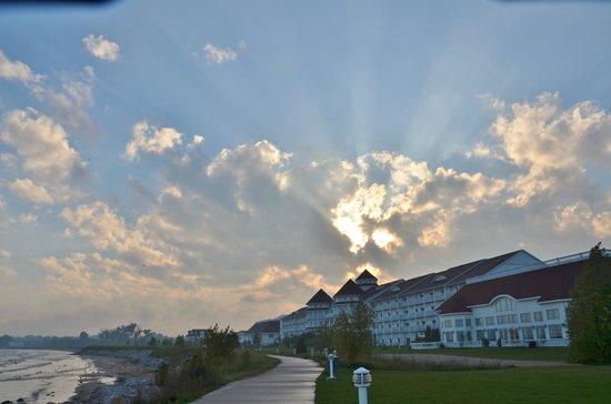 Blue Harbor Resort: Blue Harbor sunrays