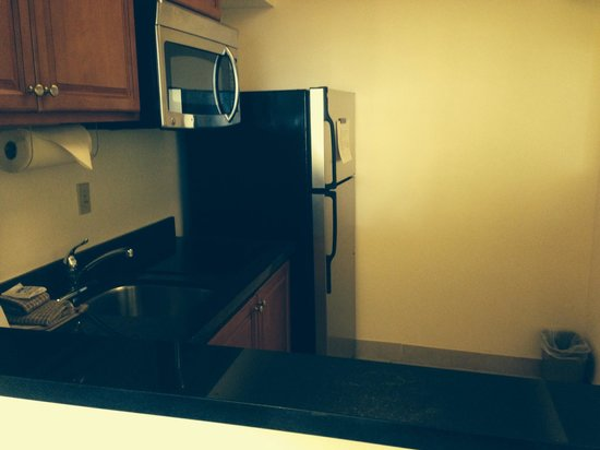 Residence Inn Washington, DC/Foggy Bottom: Kitchen