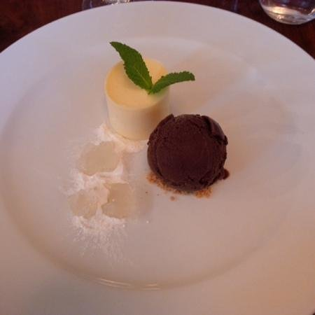 The Townhouse Restaurant: Lime posset and chocolate ice cream
