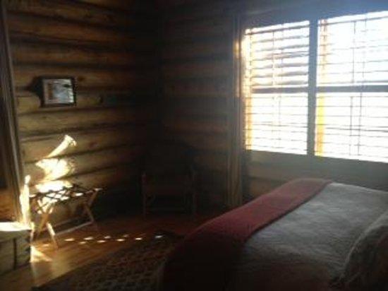 Devil's Thumb Ranch Resort & Spa: cabin bedroom