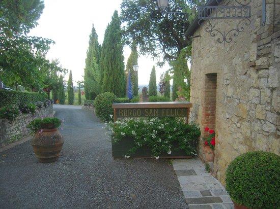 Hotel Borgo San Felice: Entrance