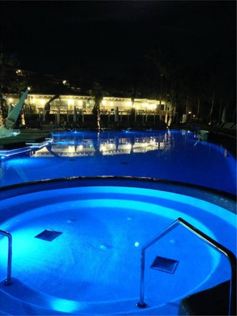 Insotel Cala Mandia Resort & Spa: Adults Only Jacuzzi in Tracey Island mode
