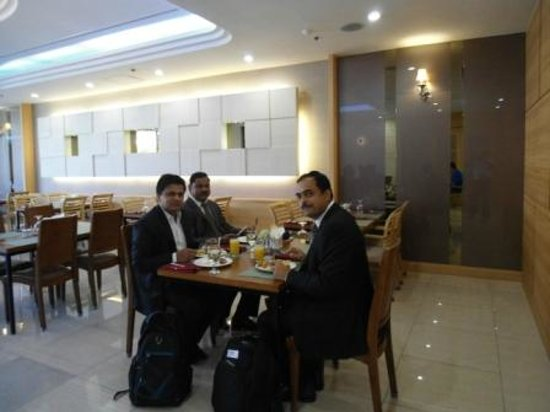Hotel Paragon: Breakfast