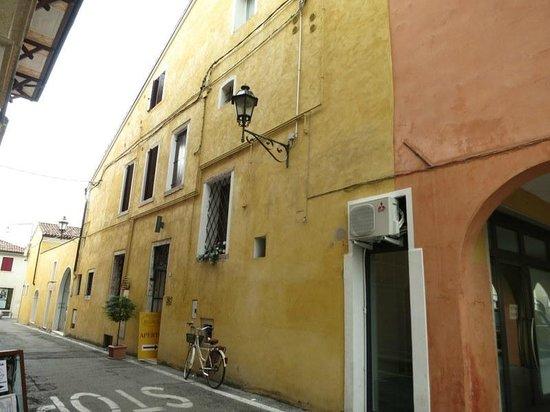 Hotel Roma entrance