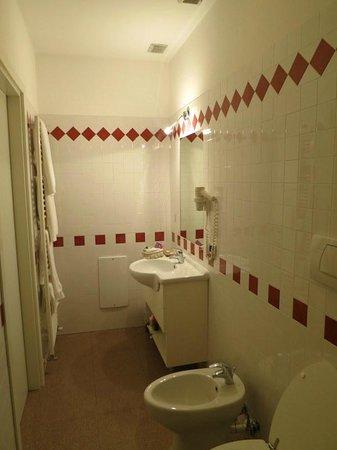 Hotel Roma: Htoel Roma Bath