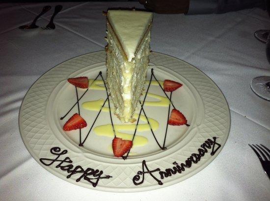 Peninsula Grill: Coconut Cake