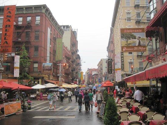 Giovanna's: rainy day on Mulberry
