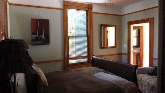 """Pelton Guest House : 1 of 2 bedroom in the """"Wood"""" room at PH"""