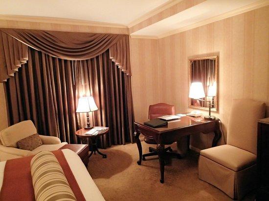 The Talbott Hotel: Basic King Room
