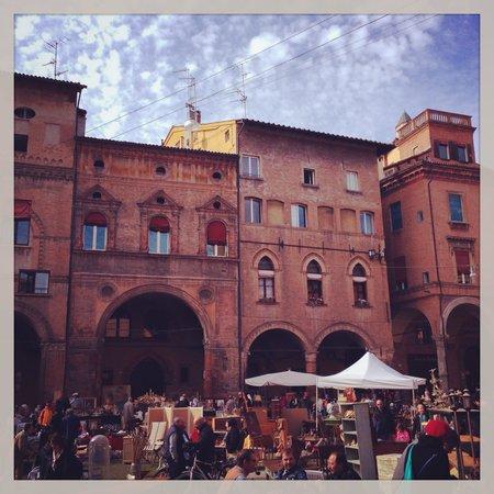 Ca' Fosca due Torri : Piazza Santo Stefano ed il mercatino