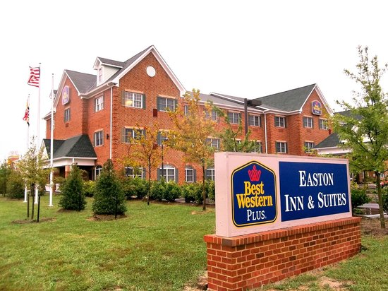 Best Western Plus Easton Inn & Suites: View from Highway