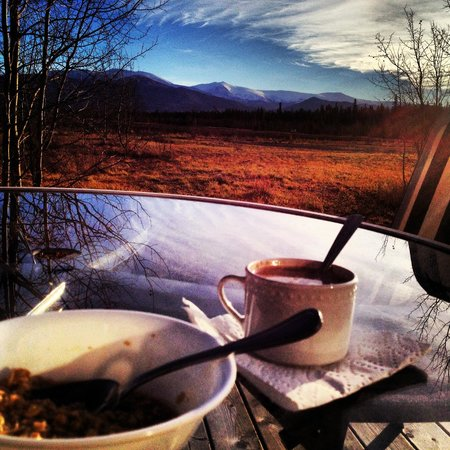 Sundog Retreat: Enjoying breakfast outside on the deck!