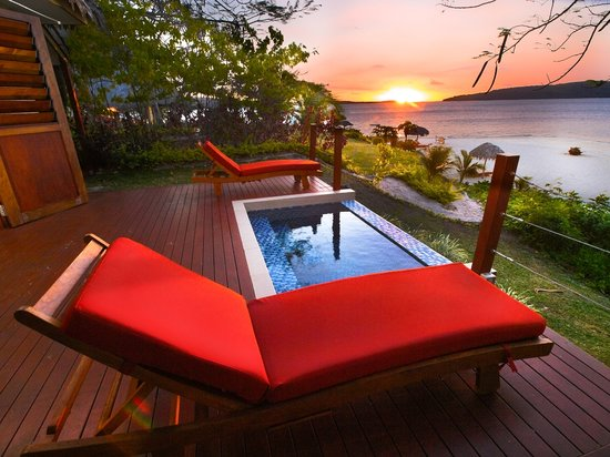 The Havannah: Waterfront Villa Deck