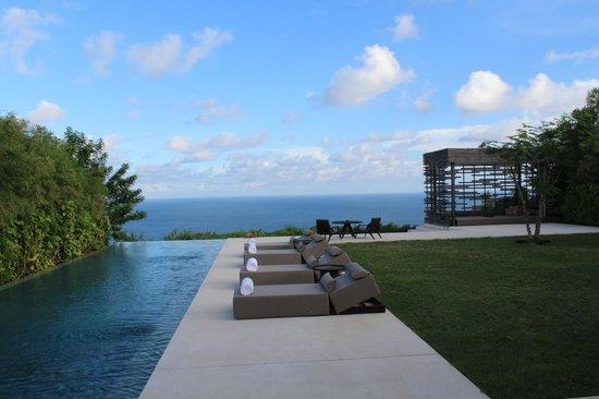 Alila Villas Uluwatu: The private pool in the 3-bedroom villa