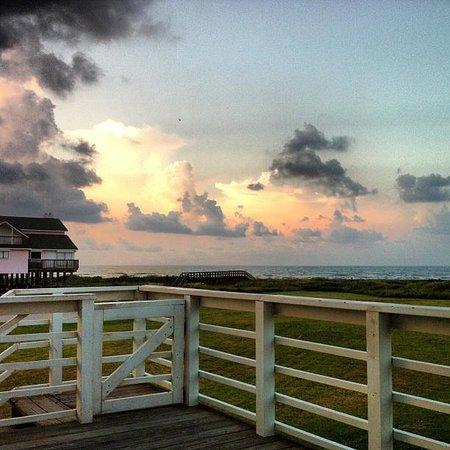 Gaido's Seaside Inn : Morning sunrise @ the beach