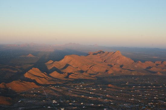 Tucson Balloon Rides : Mountains in the distance.