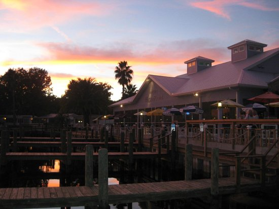 Seagrass Pub and Grill : The Seagrass on a Winters evening heaven can not be better!