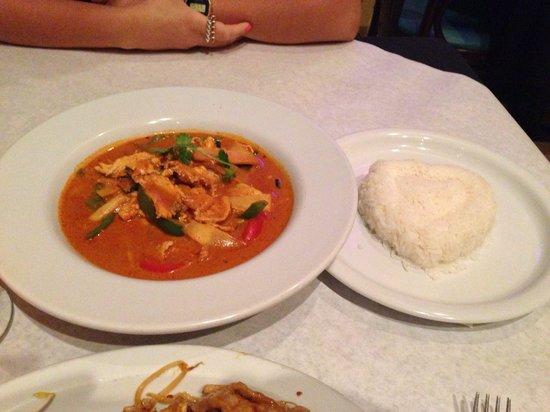 Napasorn Thai Restaurant: Red curry.