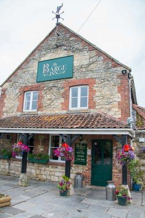 The Barge Inn: Such a pretty pub