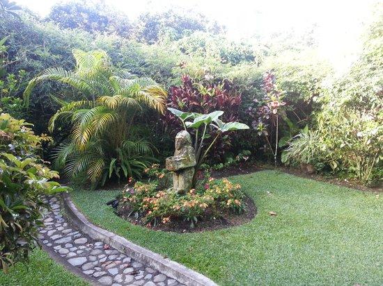 Boquete Garden Inn: Jardim muito bem cuidado