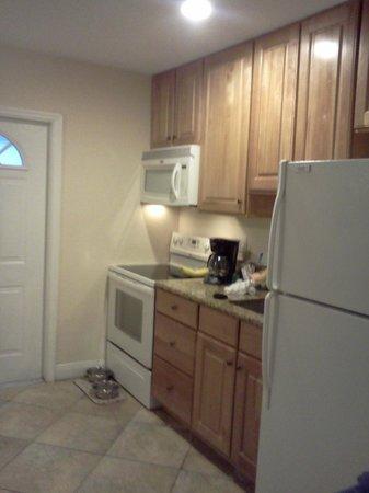 Tropical Breeze Resort : Nice kitchen area