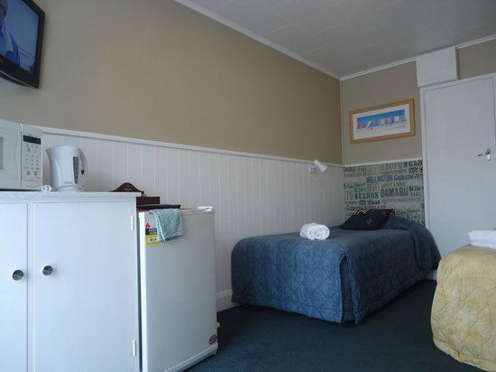 High Street Living Motel : Single beds