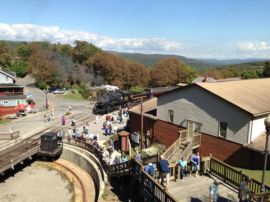 Western Maryland Scenic Railroad: Stairs to get to town