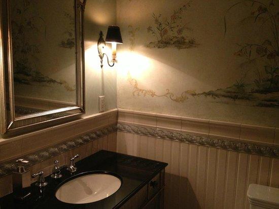 Villa Delle Stelle: great restroom