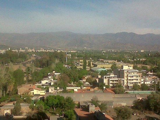 InterContinental Mendoza: Vista desde las habitaciones que miran al Oeste y del Hall en donde se toman los ascensores.