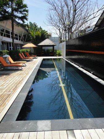 Bali Yarra Villas: Pool