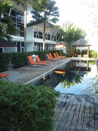Bali Yarra Villas: Villas & Pool