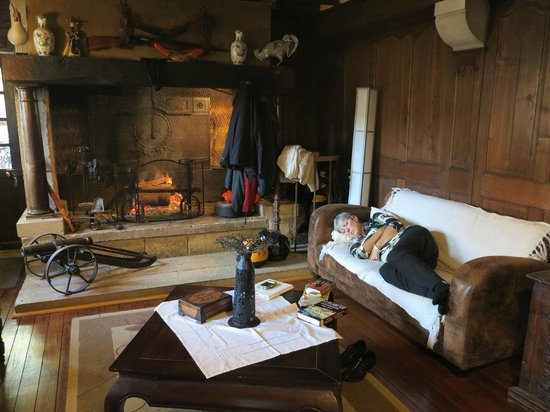 Moulin des Chennevieres : rest by a warm fire after a hard days travel