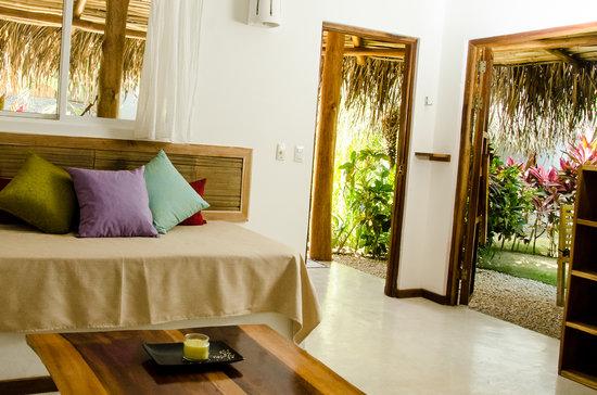 Otro Lado Lodge and Restaurant: lodge living room