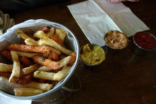 Maine Foodie Tours - Culinary Walking Tours: Yummy Fries