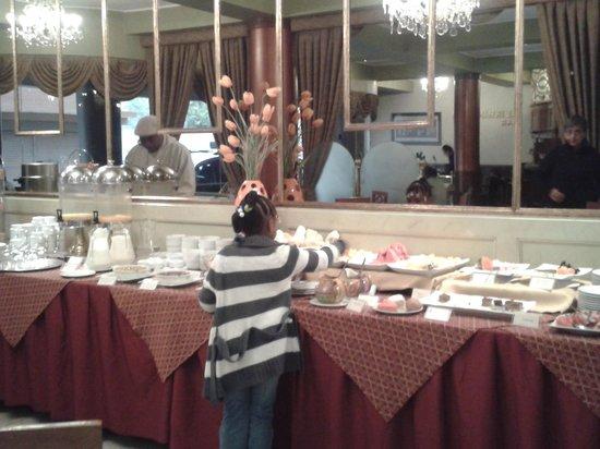 Faraona Grand Hotel: buffet de petit dejeuner