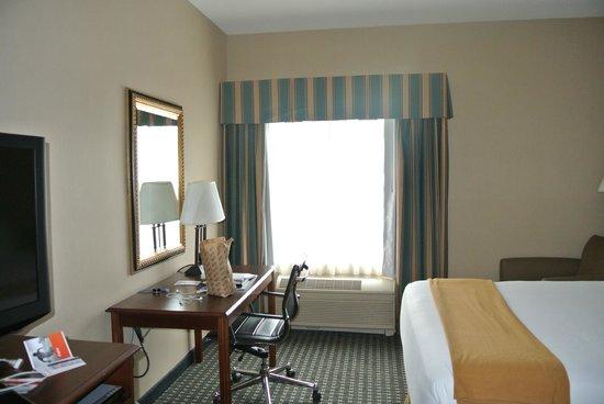 Holiday Inn Express Middletown / Newport: спальня