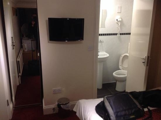 Royal Guest House 2: Generally well decorated, good in-room TV, hair drier in bathroom